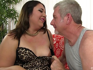 Mature BBW Gia Star gets pounded hard by an experienced guy
