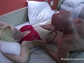Out-and-out amateur couple make their first homemade porn in a New Zealand pub room.