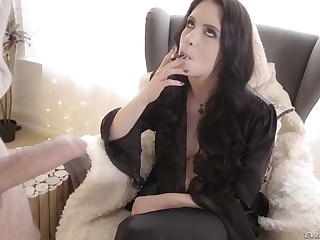 Smoking whore Anna De Ville gets her anus gaped increased by gives a rimjob