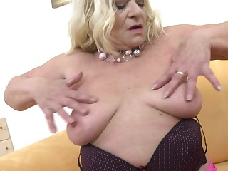 Matchless play with mature lady Sara V. pleasuring herself