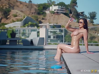 Hardcore outdoor pool fuck with curvy MILF Kendra Lust