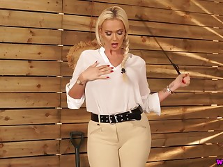 Jaw dropping busty goddess with whip Lucy Zara wants forth tick off bad brat