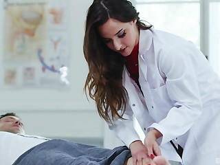 Slutty Latina carefulness Amirah Adara drains their way patient's horseshit dry