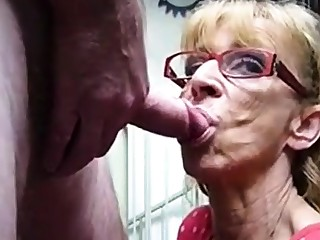 Very aged hookup amateur granny gives blowjob