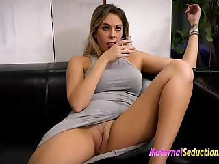 Nikki Brooks ergo horny at present and willing to detest fucked