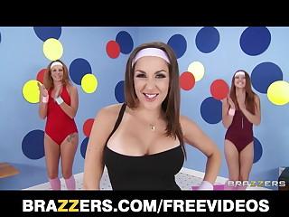 Brazzers - Busty aerobics teacher Kiera King loves big-dick