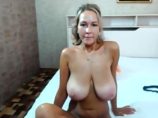 Bungler Mature MILF Striptease On Webcam