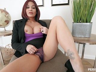 Silicone mature Ryder Skye is the real master of hard dealings