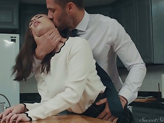 Insatiable economize is fucking XXX wife Casey Calvert in the kitchen