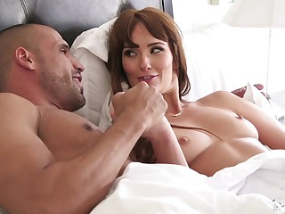 Bianca Breeze deffinitely knows how to tickle atop one penis