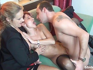 Impressive threesome sex with one matures addicted to cock