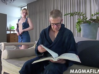 Elvira shows her stepdad the things and these two relate to fucking
