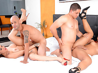 Wild Bareback Foursome less Thick Shemales Melyna Merli and Nicolly Pantoja