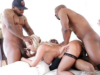 Multiple cocks make blonde MILF London River come thronging
