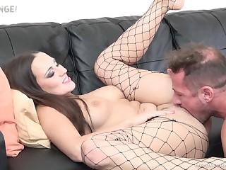 Czech MILF pornstar loves a good pussy eater and she loves to fuck random men