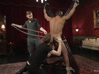 Full bareback BDSM porn with a couple of undisguised gay men