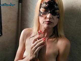 Angel Fowler Making Banana Milk Shake From Her Sexy Body In Bathroom