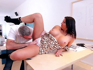 MILF screams all over serious inches demolishing her cunt
